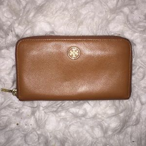 Tan Tory Burch Wallet.